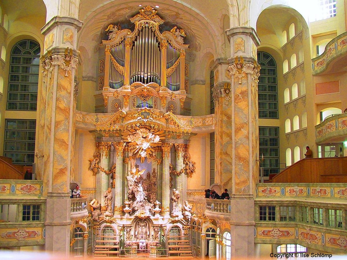 Dresden, Frauenkirche, Altar und Orgel