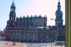 Dresden, Blick aus der Semperoper auf die Katholische Hofkirche