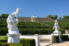 Potsdam, Skulptur Minerva vor dem Schloss Sanssouci