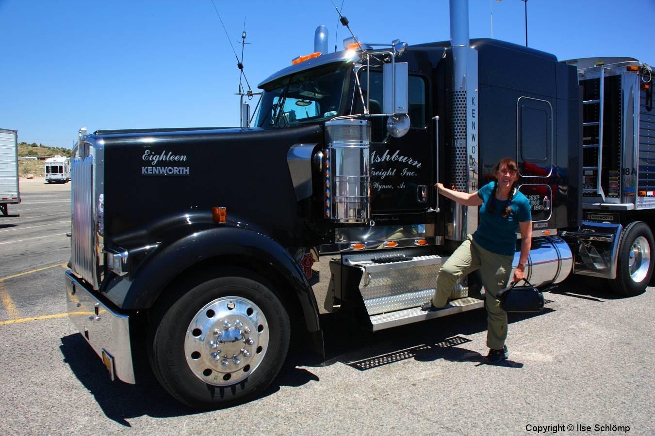 USA, Arizona, Route 66, Truck