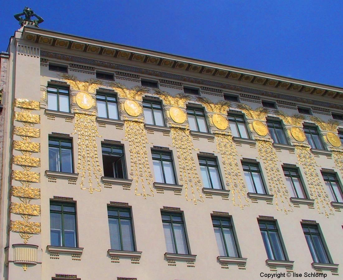 """Wien, Jugendstilfassade Haus """"Linke Wienzeile"""""""