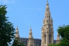 Österreich, Wien, Blick vom Parlamentsgebäude auf das Rathaus