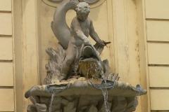 "Wien, Brunnen ""Knabe mit Delfin"""