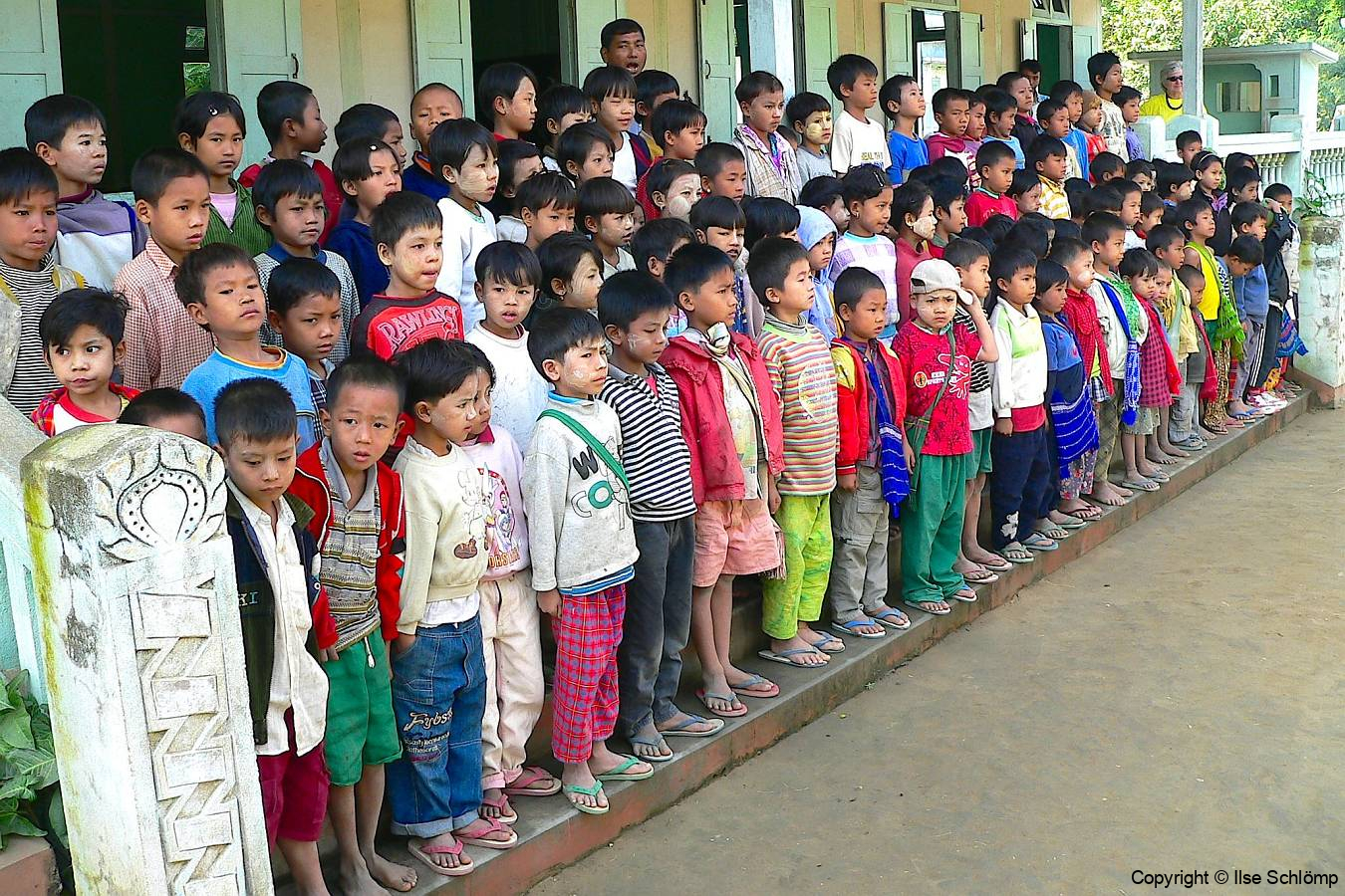 Myanmar, Am Irrawaddy, Besuch einer Schule