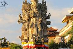 Bali, Semarapura, Kandapat Sari Statue