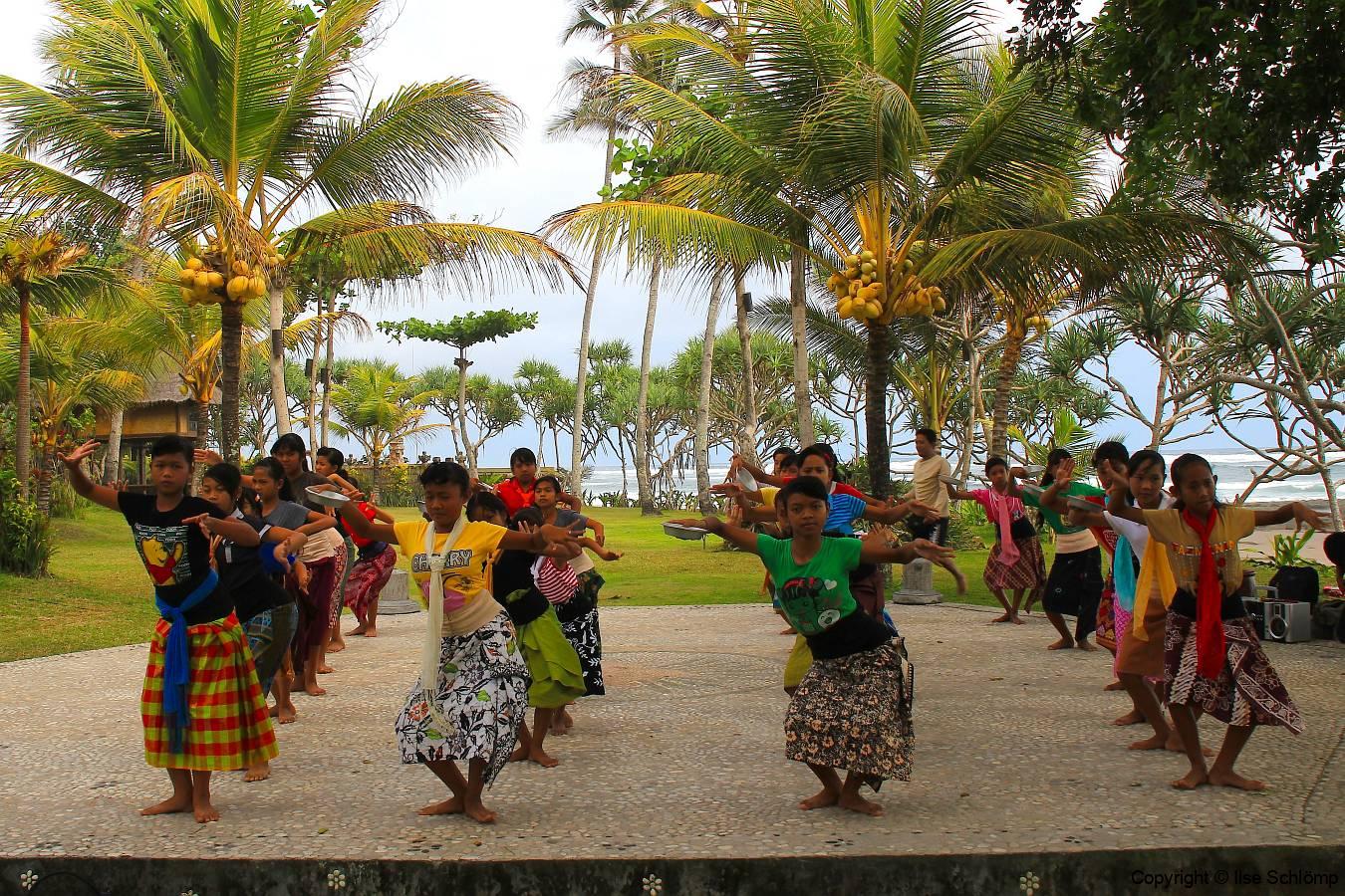 Bali, Puri Dajuma Cottages, Traditioneller Tanz, Proben des Nachwuchses
