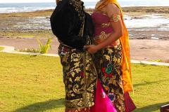 Bali, Puri Dajuma Cottages. Traditionelles Brautpaar