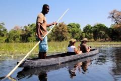 Botswana, Mit dem Mokoro durch das Okavango Delta
