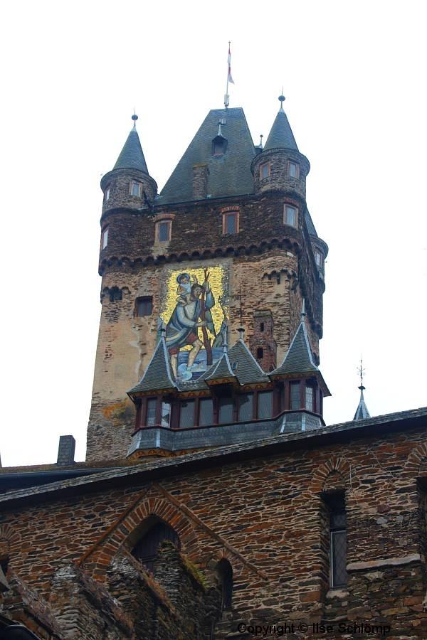 Reichsburg, Cochem, Rheinland-Pfalz, Der Achteckturm mit dem Christophorus-Mosaik