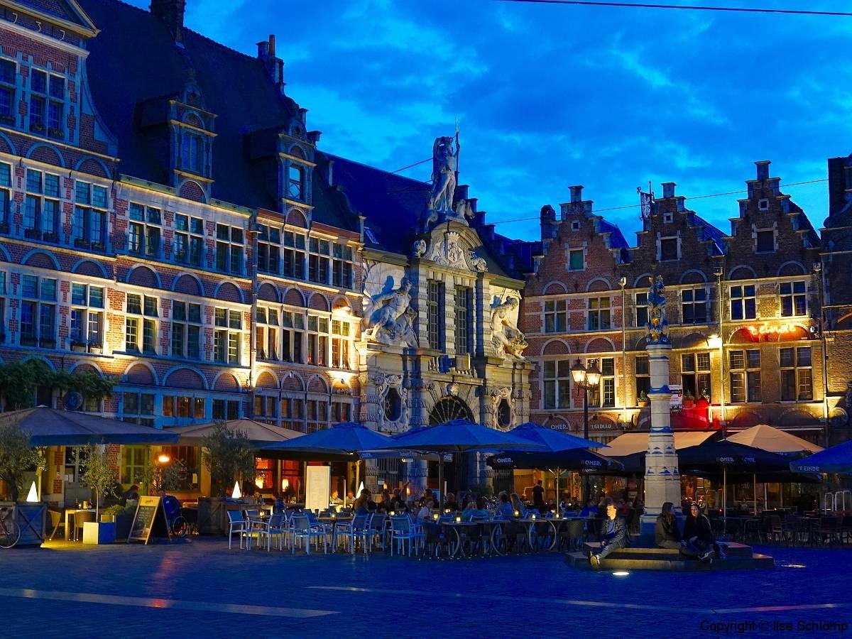 Belgien, Gent, Sint-Veerleplein bei Nacht