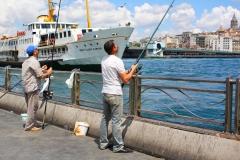 Istanbul, Angler auf der Galatabrücke