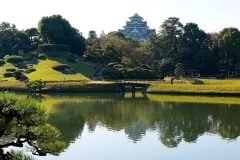 Japan, Okayama, Koraku-en Garten mit der Burg Okayama