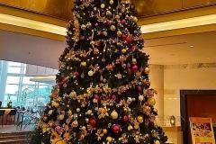 Japan, Osaka, Weihnachtsbaum im Hotel