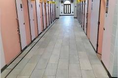 Japan, Nummerierter Toilettengang auf dem Rastplatz
