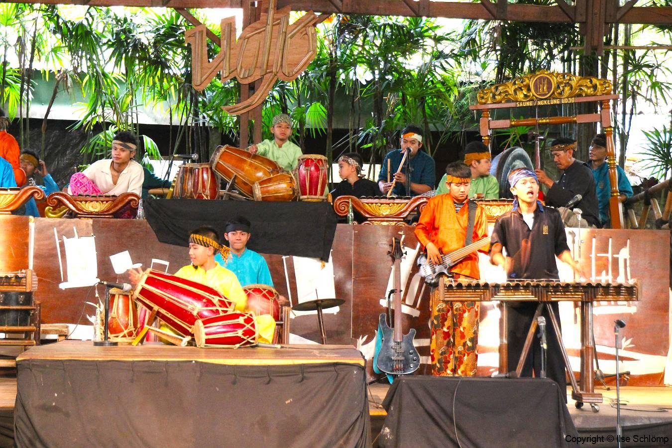 Java, Padasuka, Bambus Musik-Orchester, Traditionelle Angklung-Musik