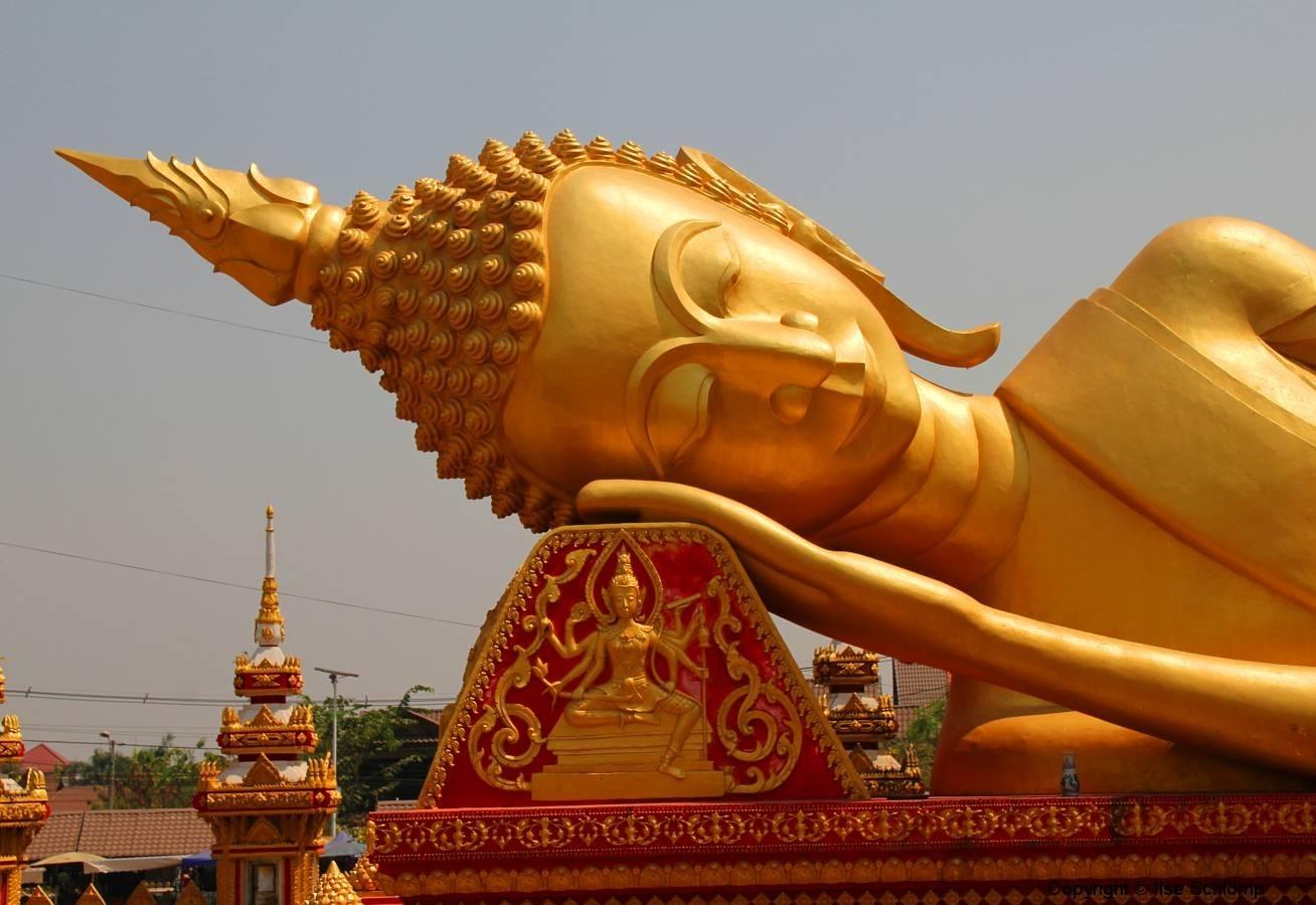 Laos, Vientiane, Wat That Luang, Liegender Buddha