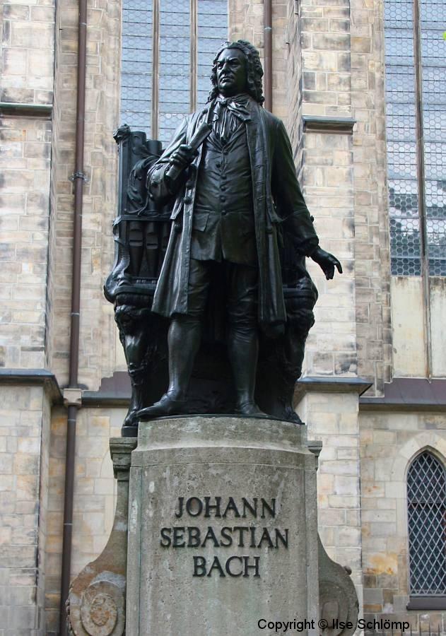 Leipzig, Thomaskirche, Statue Johann Sebastian Bach