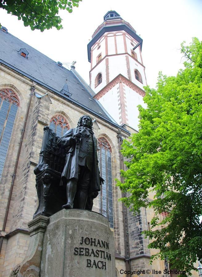 Leipzig, Statue von Johann Sebastian Bach vor der Thomaskirche