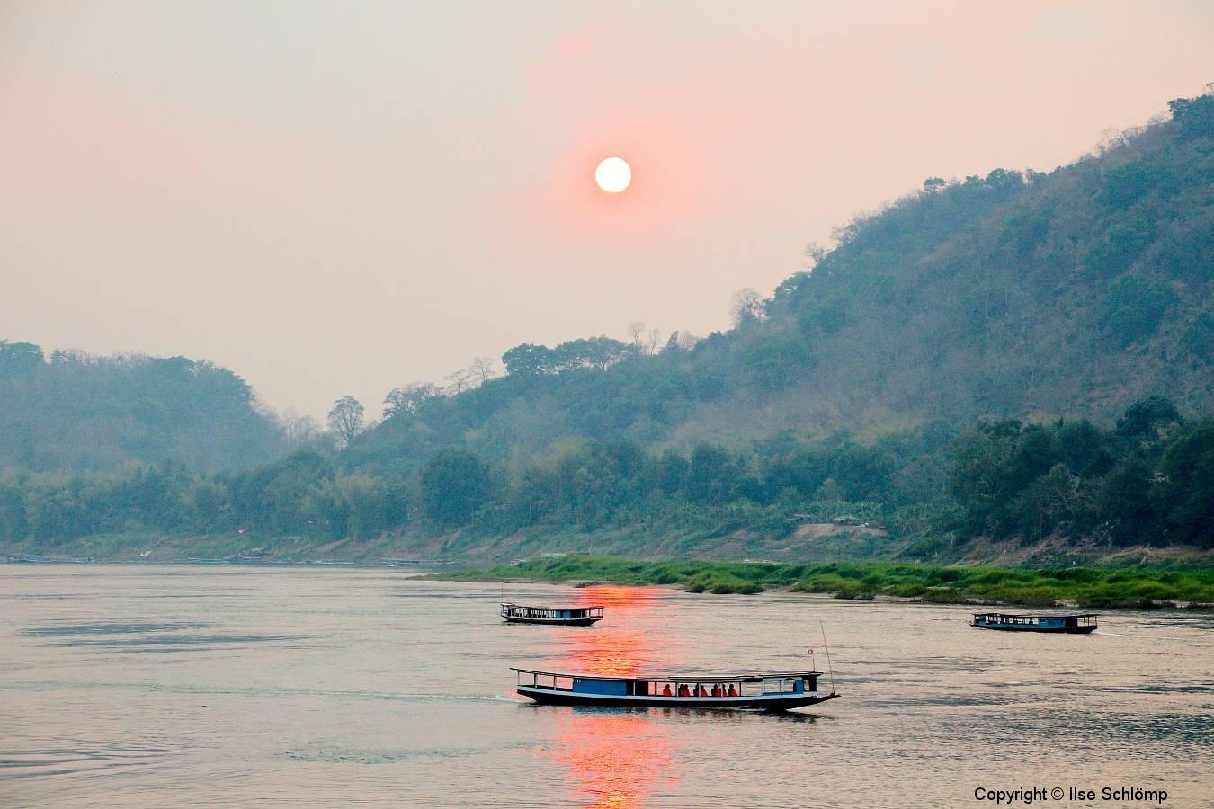 Laos, Luang Prabang, Sonnenuntergang am Mekong
