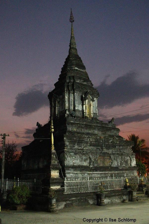 Laos, Luang Prabang, Wat Phramahathat, Nachtaufnahme