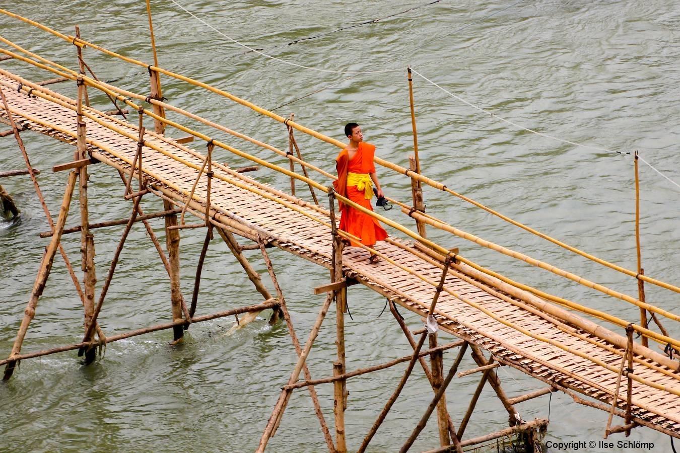 Laos, Luang Prabang, Bambusbrücke