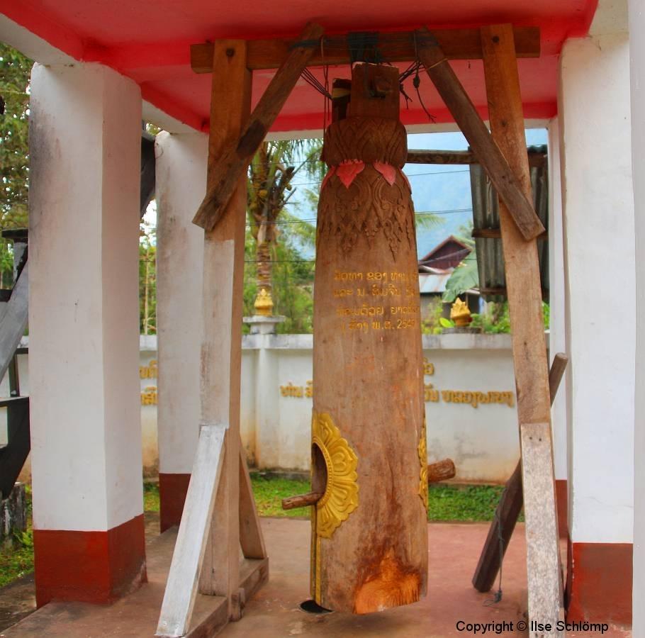Laos, Muang Ngoi Neua, Wat Okadsaiyaram, Trommelturm