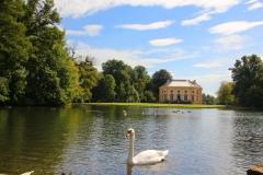 München, Schlosspark Nymphenburg, Badenburger See mit Badenburg