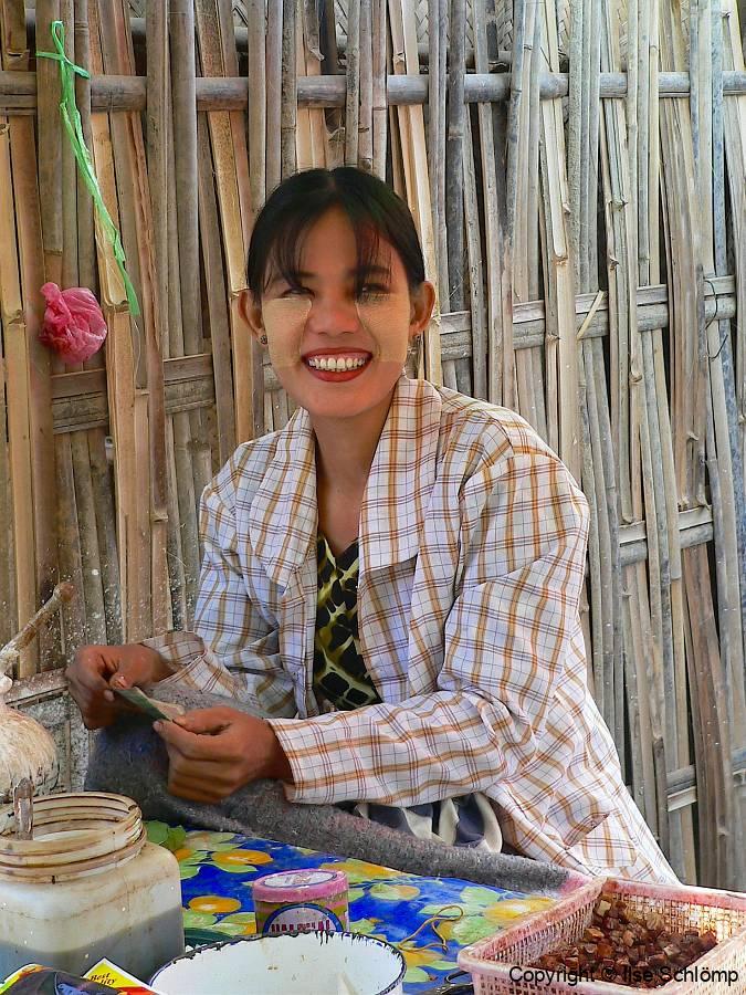 Myanmar, Bagan, Betelnuss Verkäuferin