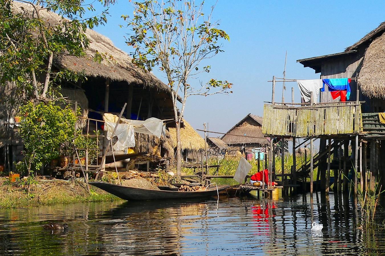 Myanmar, Dorf am Inle-See