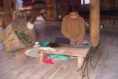 Myanmar, Inle-See, Lotus-Spinnerei