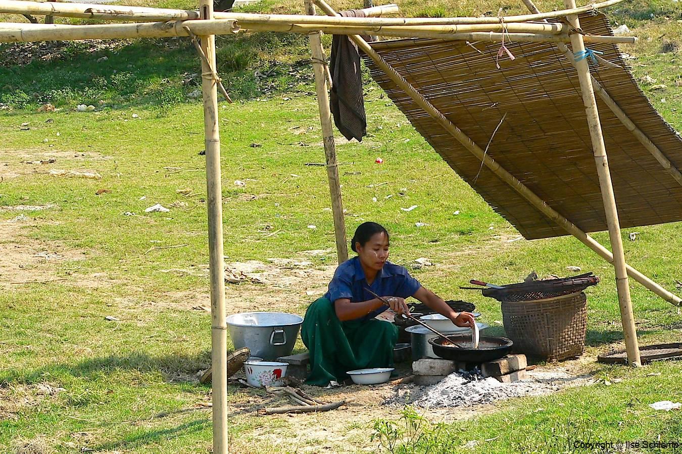 Myanmar, Unterwegs auf dem Weg nach Bago