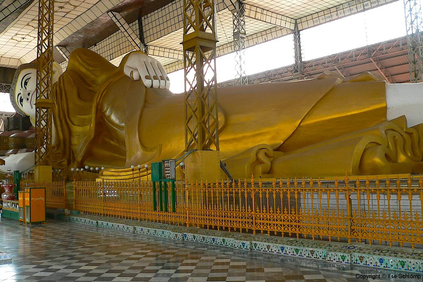 Myanmar, Bago, Shwe Thalyaung Pagode, Liegender Buddha von Bago, 55 m Länge, 16 m Höhe
