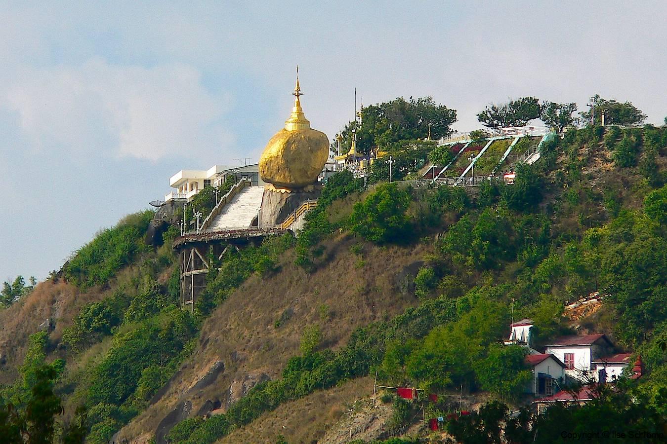 Myanmar, Zu Fuß hinauf zum Golden Rock