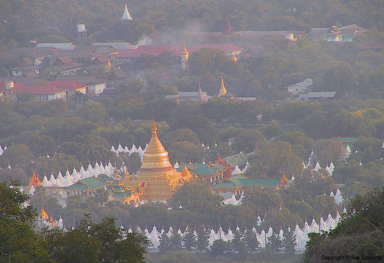 Myanmar, Mandalay, Abendstimmung am Mandalay Hügel