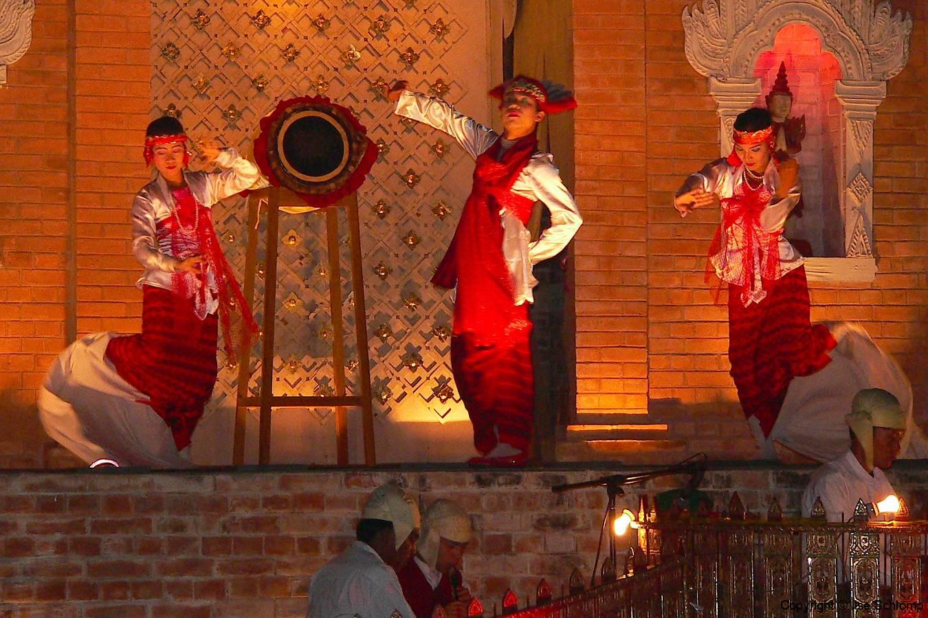 Myanmar, Mandalay, Birmanisches Tanztheater