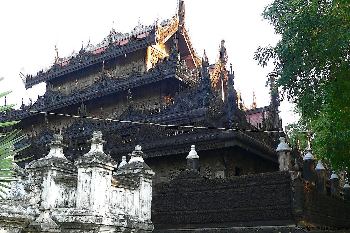 Myanmar, Mandalay, Shwenandaw Kyaung Kloster Goldener Palast