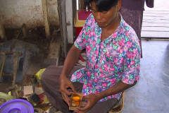 Myanmar, Mandalay, Blattgoldpäckchen