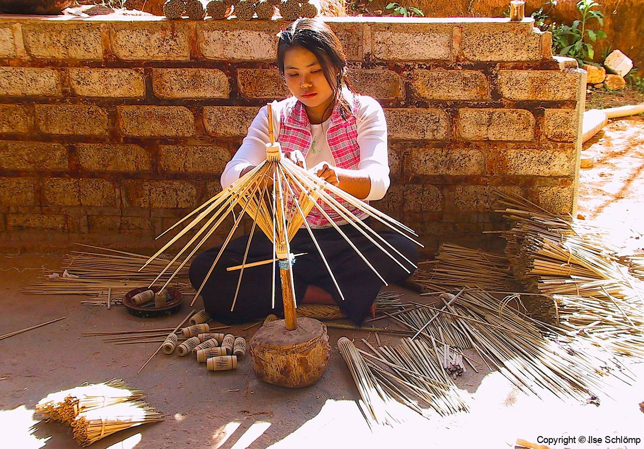Myanmar, Pindaya, Schirm-Manufaktur