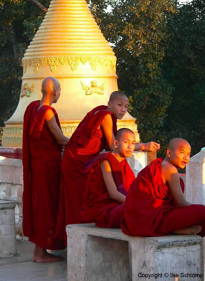 Myanmar, Pyay, Abendstimmung an der Shwesandaw Pagode