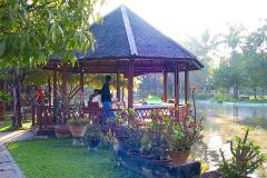 Myanmar, Pyay, Frühstück im Pavillon des Mingalar Garden Resort