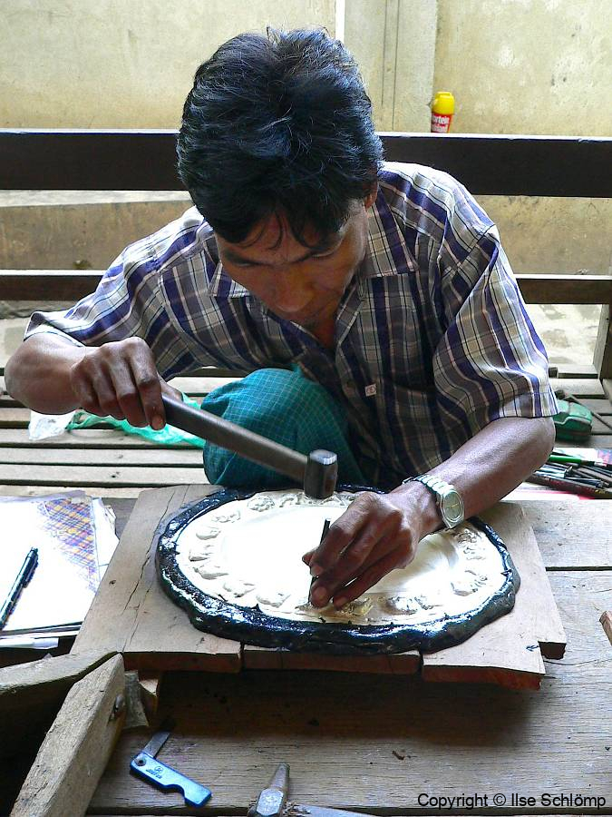 Myanmar, Sagaing Hügel, Silberarbeiten