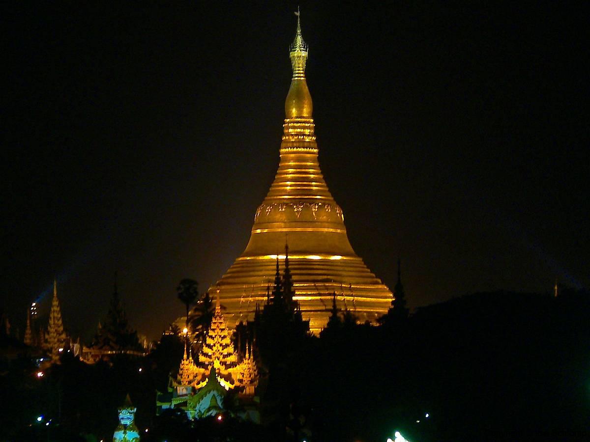 Myanmar, Yangon, Shwedagon Pagode bei Nacht