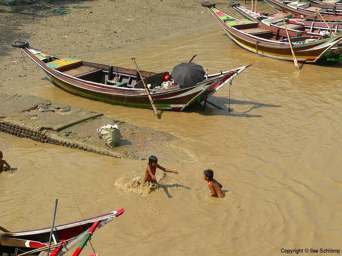 Myanmar, Yangon, Yangon River