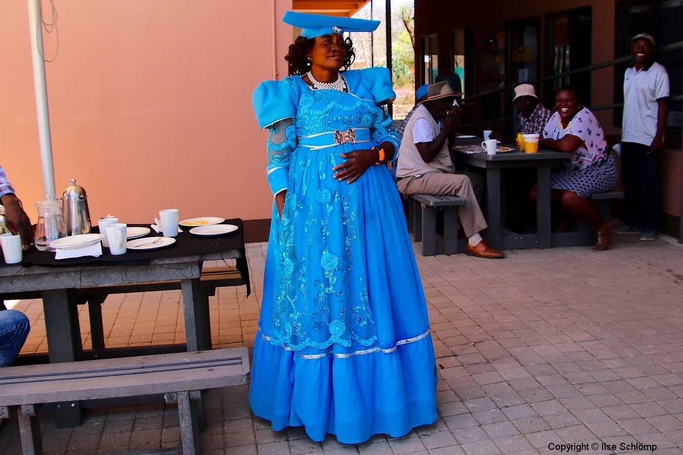Namibia, Otjiwarongo, Herero-Frau in Tracht