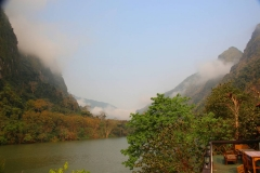 Laos, Ban Nong Khiaw, Blick vom Phaxang Resort auf den Nam Ou Fluss