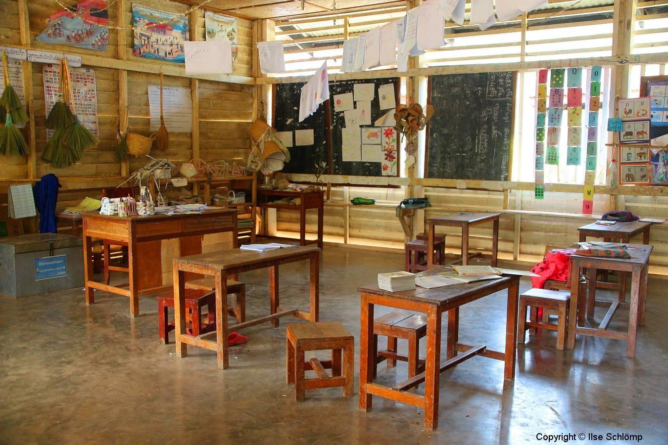Laos, Oudomxay, Klassenzimmer