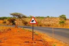 Simbabwe, Vorsicht Elefanten