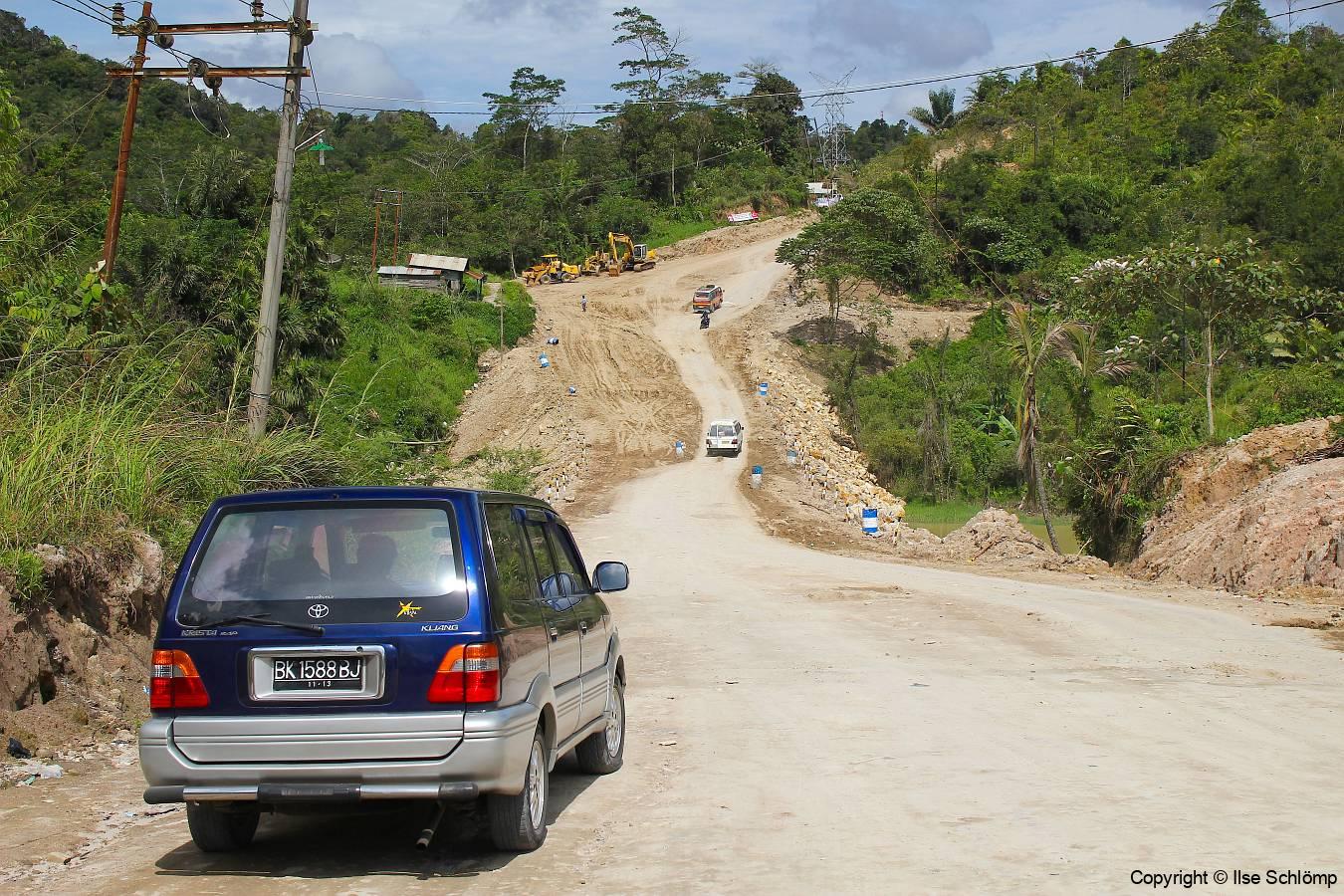 Sumatra, Stopp unterwegs an einer Baustelle