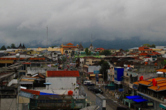 Sumatra, Blick über die Hauptstraße von Bukittinggi
