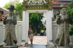 Thailand, Bangkok, Wat Pho, Eingang mit Wächtern